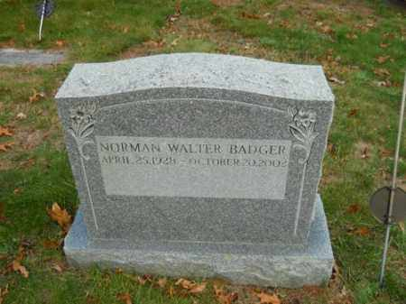 BADGER, NORMAN WALTER - Barnstable County, Massachusetts   NORMAN WALTER BADGER - Massachusetts Gravestone Photos