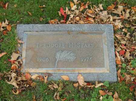 SEARS, THEODORE H - Barnstable County, Massachusetts | THEODORE H SEARS - Massachusetts Gravestone Photos