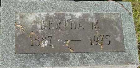 HUTCHINSON, BERTHA M - Berkshire County, Massachusetts   BERTHA M HUTCHINSON - Massachusetts Gravestone Photos